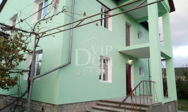 Продам просторный дом на станции Усатово.
