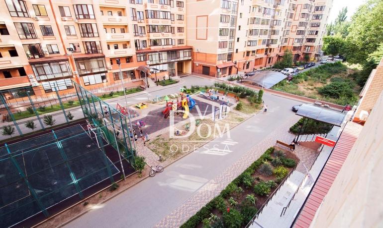 Большая однокомнатная квартира рядом с парком Победы!