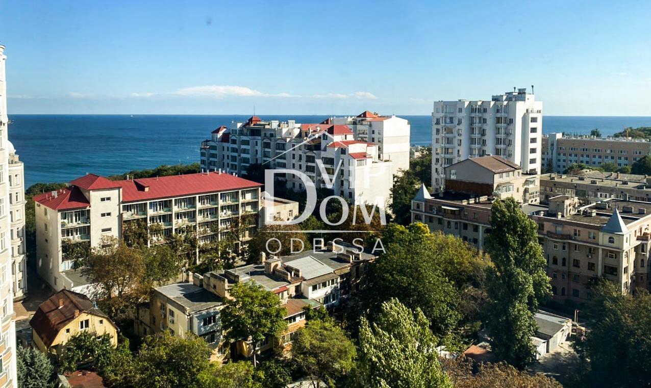 Квартира в Одессе. Дом Каркашадзе. Вид на море.