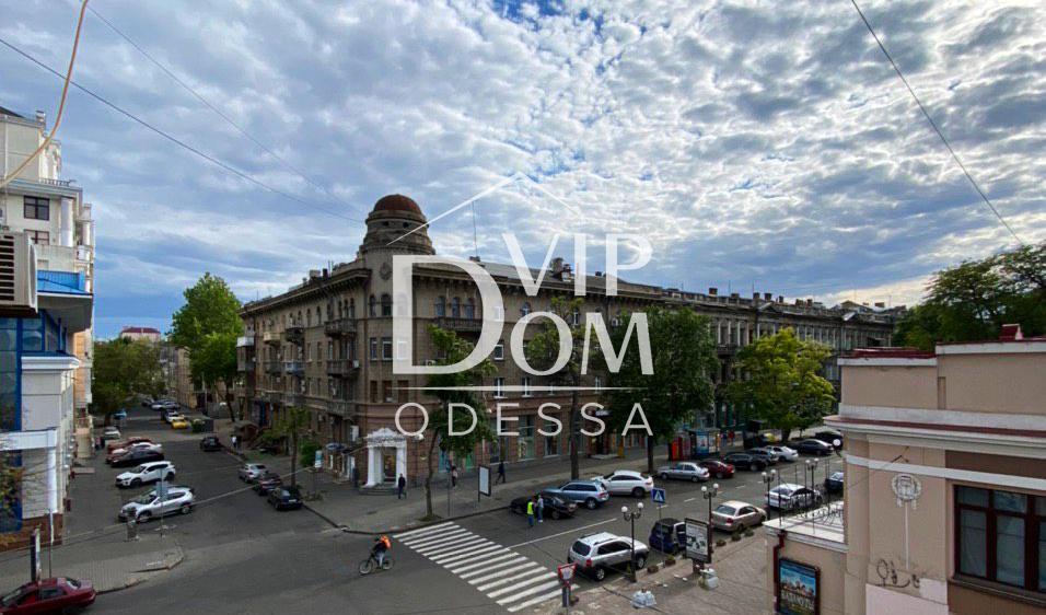 Двухкомнатная квартира в Одессе. Центр города.